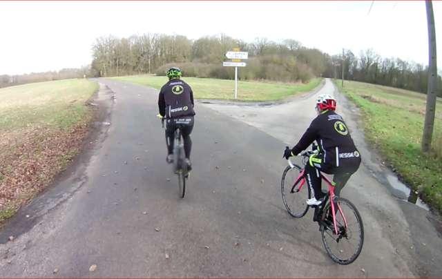 Rouge Centitenk VTT cha/îne de Protection de Cyclisme sur Route cha/îne de Protection en Plastique Couverture Garde v/élo Accessoires